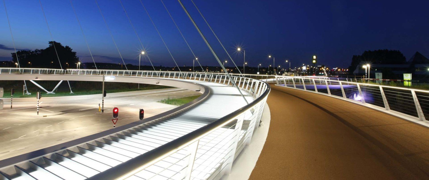 Hovenring Cycle pylon bridge Eindhoven, bridge design by ipv Delft
