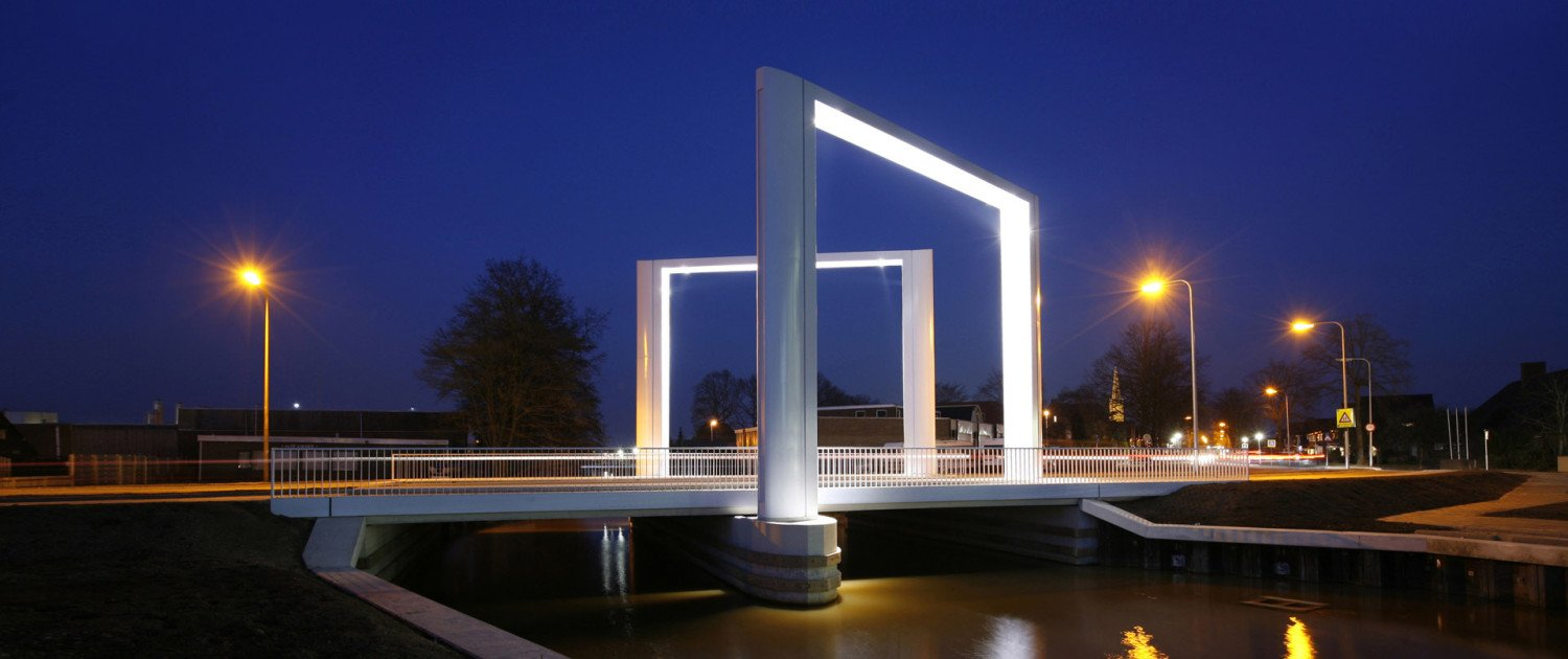 simple yet iconic entrance bridge, Dolderbridge Steenwijk