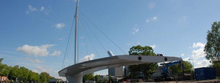 Rijswijk cycle bridge arrived on site, turning bridge, bridge design by ivp Delft