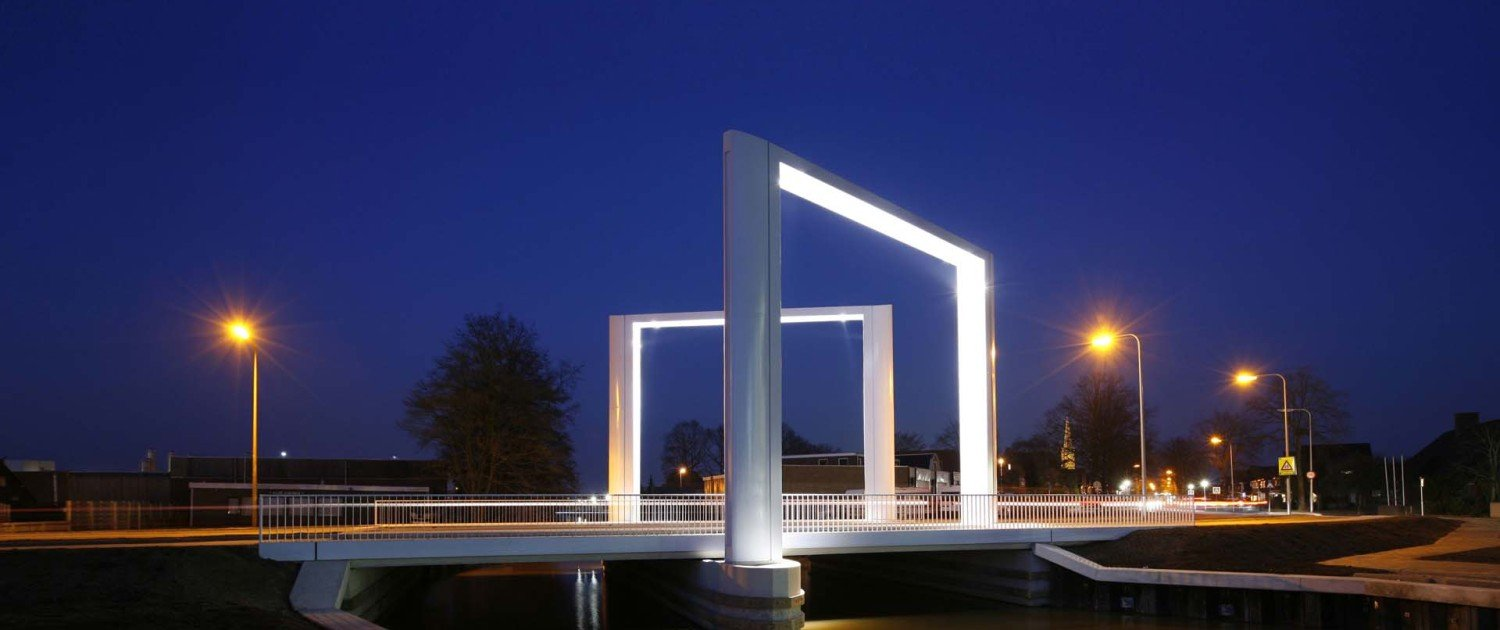 Dolder bridge, movable bridge Steenwijk by night