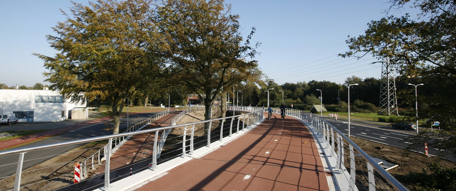 AukeVleerstraat bridge Enschede, meandering bridge design, cycle bridge, bridge design by ipv Delft