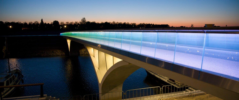 Weerdsprong concrete bridge Venlo, bridge design by ipv Delft