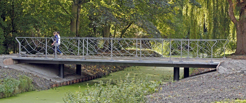 UHSB bridge system with unique fence, bridge design by ipv Delft