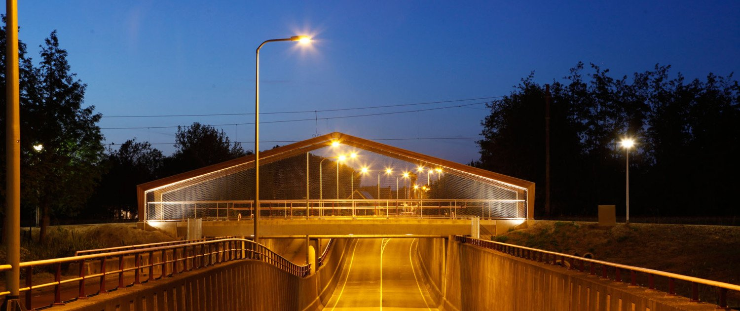 bridge by night, bridge rvs Bodegraven Weideveld, bridge design by ipv Delft
