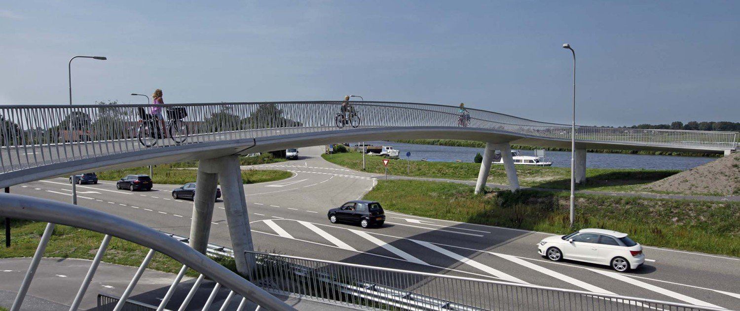 cycle bridge station area, Heerhugowaard, bridge design by ipv Delft