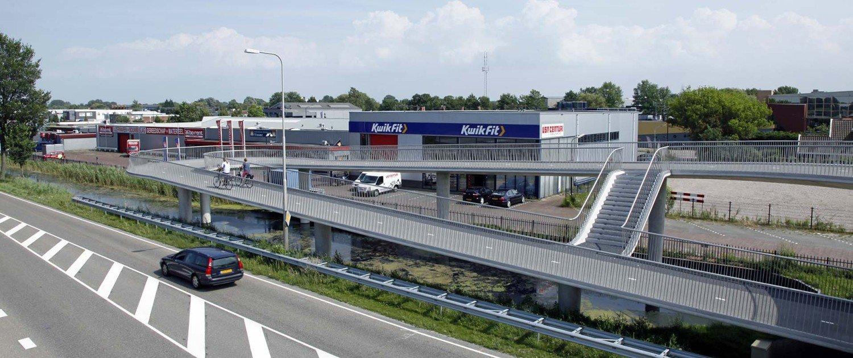 shortcut on foot and cycle bridge, bridge design by ipv Delft