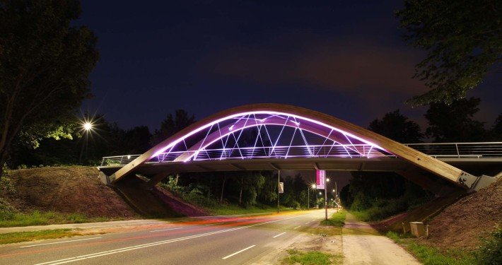bycicle steel bridge Hofstraat, total view by night, bridge design by ipv Delf.t