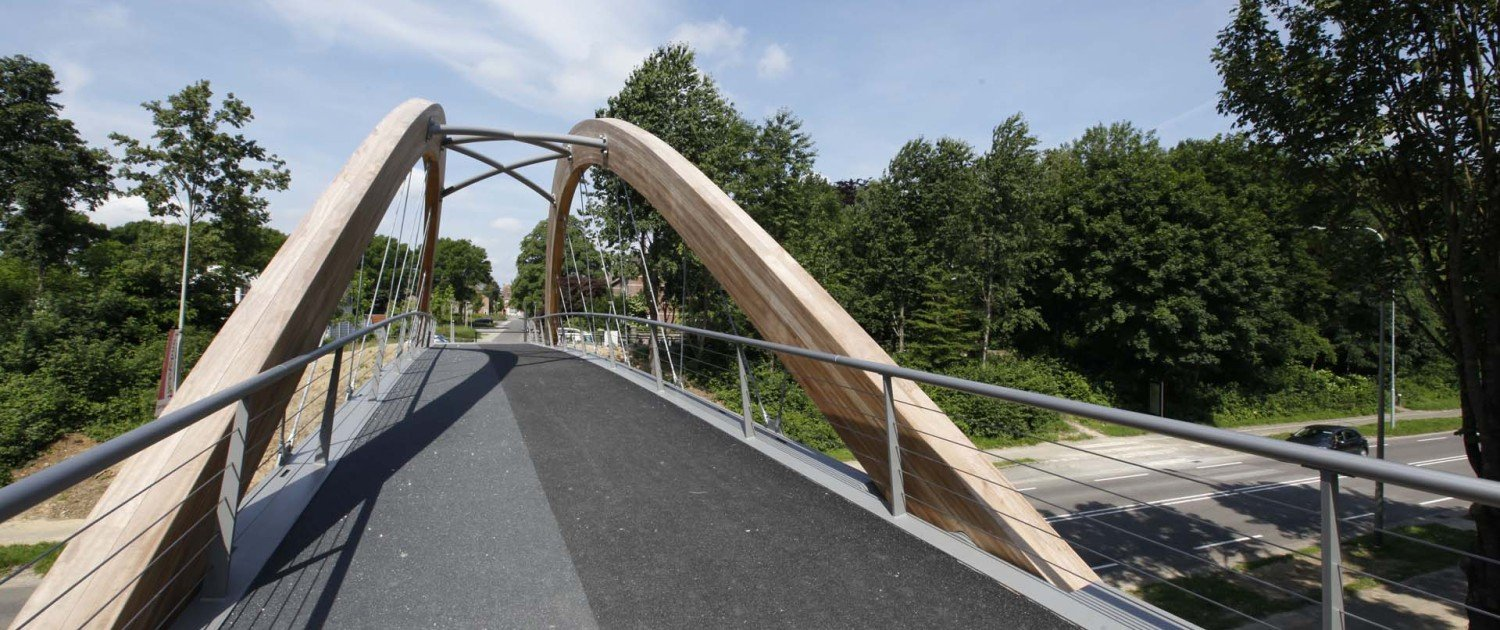 wood and stee l design , traffic bridge design by ipv Delft