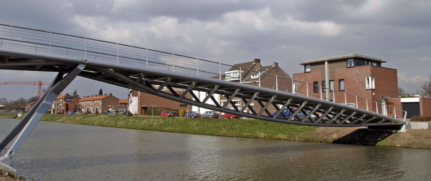 low view from bridge, bridge design by ipv Delft