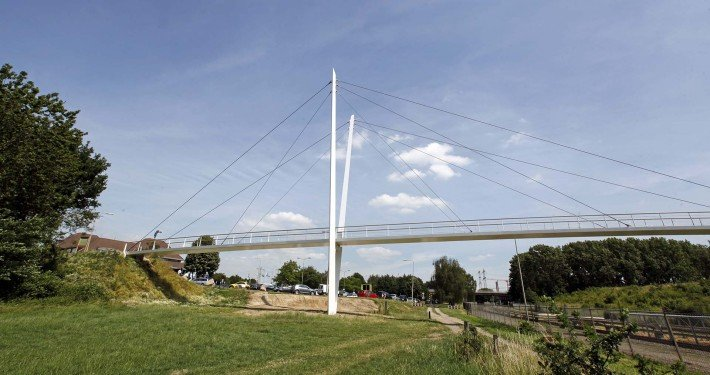 Stein bridge Heidekamppark, bridge design by ipv Delft