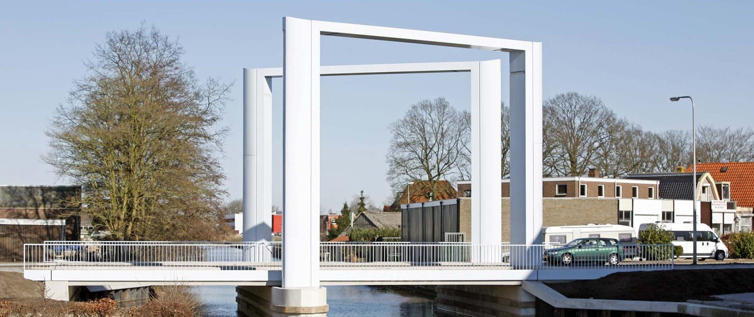 side view from Dolder bridge Steenwijk, bridge design by ipv Delft