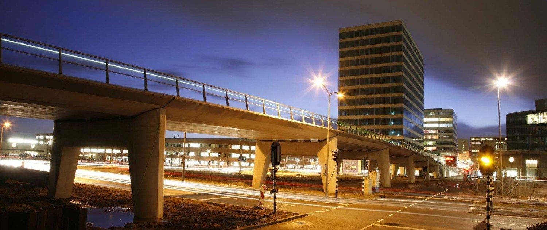 concrete bus bridge Almere, design by ipv Delft, side view