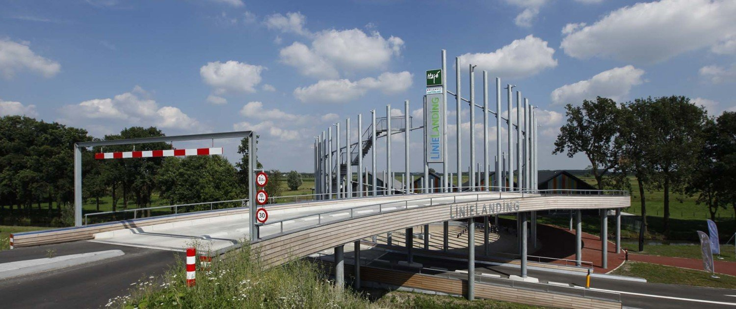 front view Linielanding, design by ipv Delft, connnector between motorway and polder