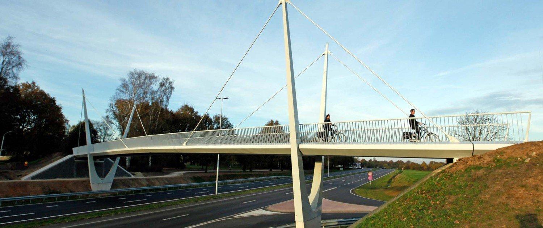 ovonde bycicle bridge rondweeg Emmen, bridge design by ipv Delft