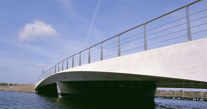 bridge Heerhugowaard, low view, concrete bridge, design by ipv Delft