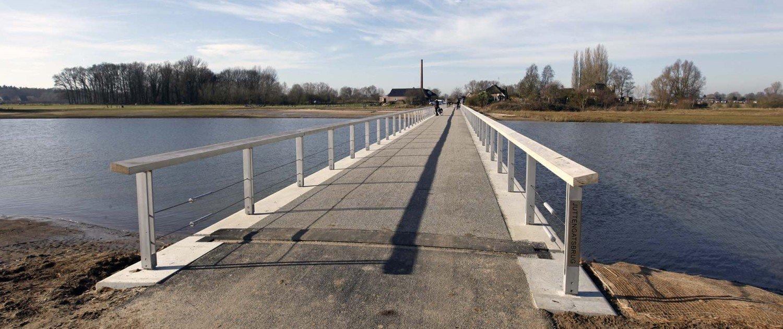 floodable bridge Fortmond Olst, design by ipv Delft