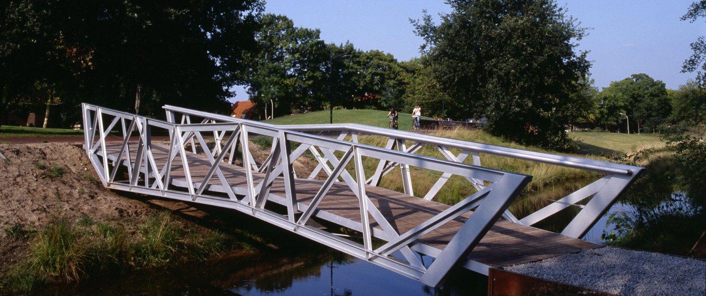 steel bridges Halvezolenpark, design by ipv Delft