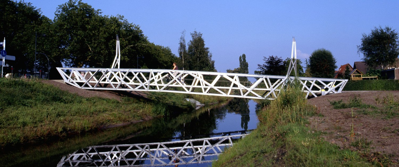 mirror view bridges Halvezolenpark, bicyclebridge, design by ipv Delft