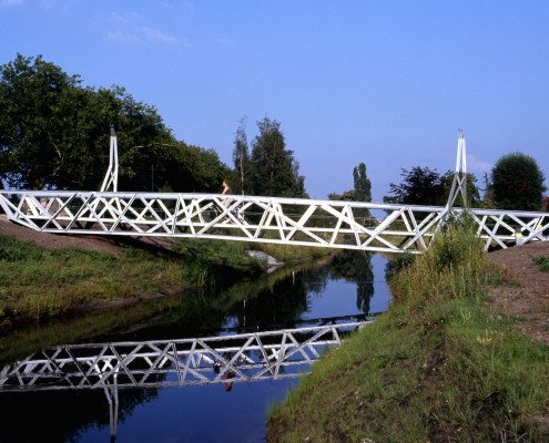 mirror view bridges Halvezolenpark, bicyclebridge, design by ipv Delft
