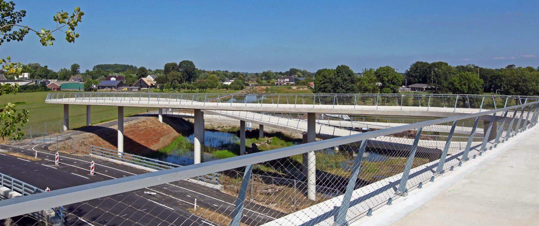 concrete span bridges Nigtevecht bicycle bridge ipv Delft