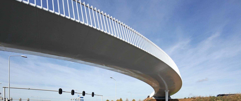 slick-steel-bottomside-for slender-steel-Europalaan-bicycle-bridge-ipvDelft