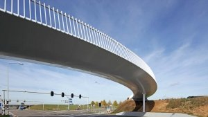 slick-steel-bottomside-for slender-steel-Europalaan-bicycle-bridge-ipvDelft