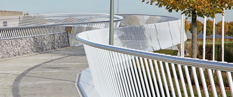 elegant-steel-railing-desing-Europalaan-bridge-design-ipvDelft