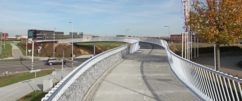 elegant-bridge-design-bicycle-fastway-ipvDelft