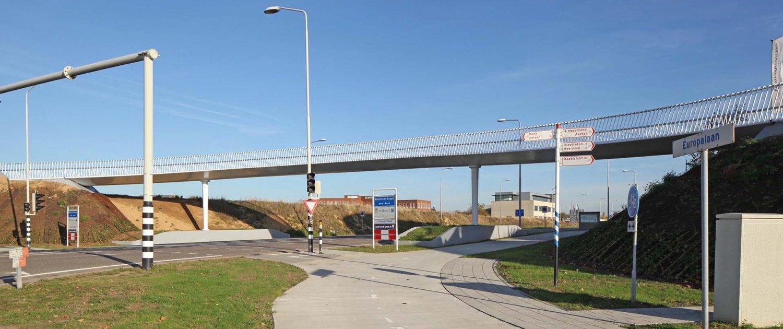 bridge-design-bicycle-fastlane-Maastricht-Netherlands-ipvDelft