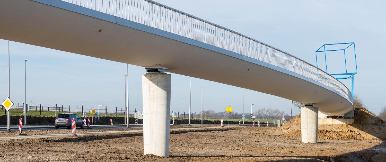 in situ concrete bicycle bridge N274