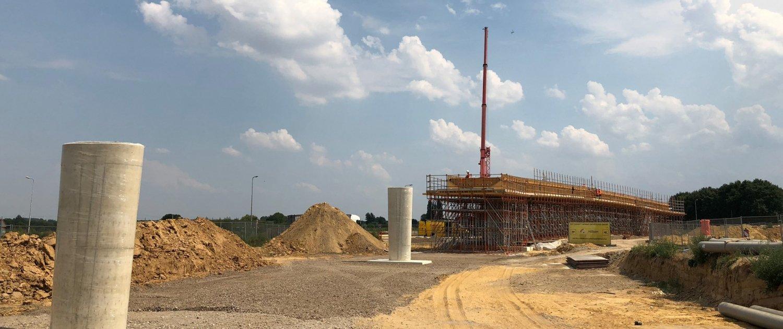 Pillars and reinforcement steel N274